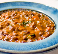 Earthy black bean soup, seasoned with cumin and the mild heat of jalapeño chile. This flavourful soup will delight the pickiest eaters. Total prep & cook time: 50 min 6 Servings