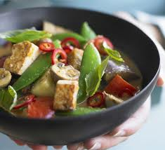 Serves 6 30 minutes or fewer This is so simple and versatile. Red curry makes a great base for whatever is fresh and seasonal. When buying red curry paste, check the ingredients list to make sure the brand you choose does NOT contain fish sauce.